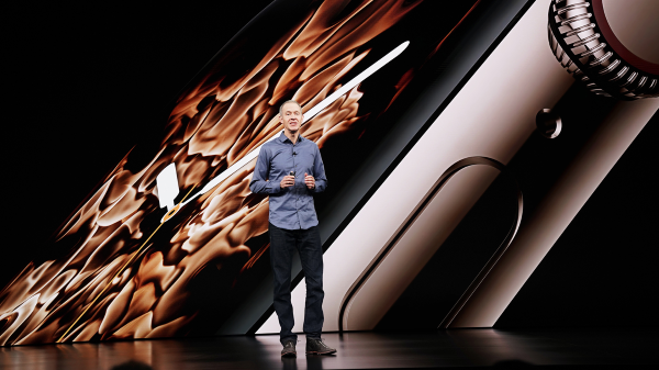Apple Chief Operating Officer Jeff Williams introduces the Apple Watch 4 at the company's event last week. Source: Apple