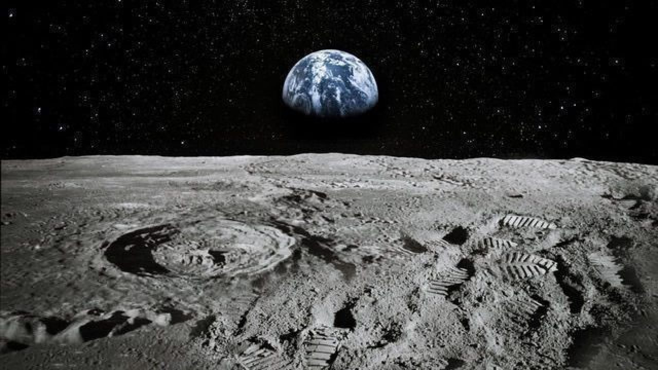 Wireless Charging for Robots on the Moon